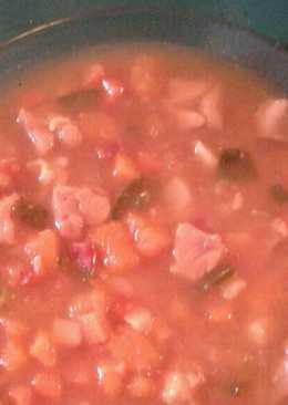 Sopa de verduras picadas con pollo