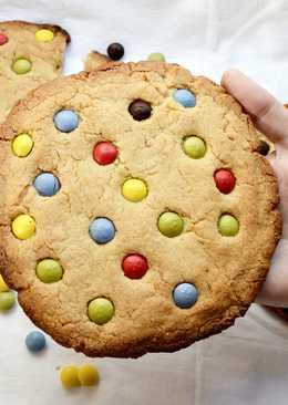 Cookies XXL con mantequilla de cacahuete y Lacasitos
