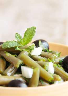 Ensalada de judías verdes y aceitunas negras