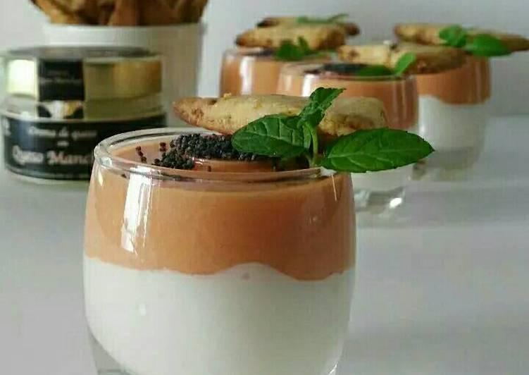Chupitos de crema de queso curado con salmorejo y sablés crujientes de anchoa (con y sin Tmx)