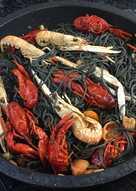 Spaguetti nero con cangrejos de río