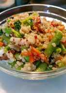 Salteado de verduras con quinoa roja y blanca