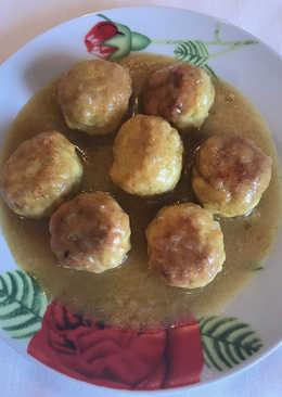 Albóndigas de pollo con salsa de cebolla