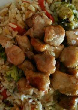 Lomo con arroz y verduras al estilo oriental