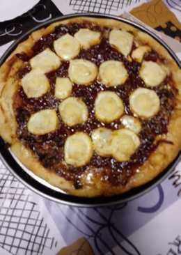 Pizza de fiambre de cerdo y rulo de queso de cabra