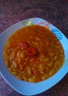 Potaje de habichuelas con chorizo y arroz
