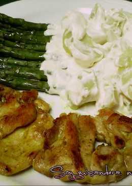 Pollo plancha, espárragos y patatas ali oli