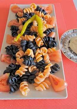 Pasta de erizos, sabor salmón y tinta de sepia