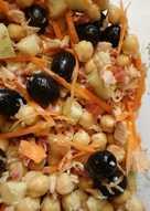 Ensalada fresca de garbanzos con jamón