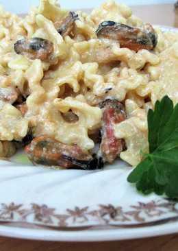 Callos pasta con mejillones en salsaCosta Brava