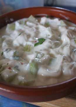 Pepino con yogurt griego