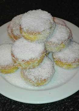 Galletas rellenas de crema de manzana y coco