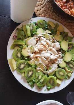 Ensalada verde con pollo en salsa gorgonzola