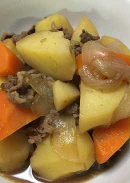 Nikujaga (estofado de carne y papa)