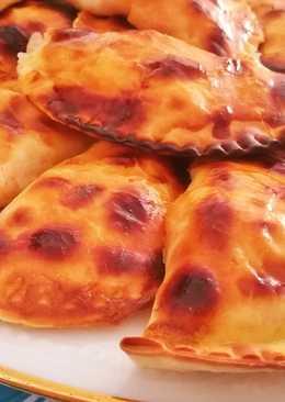 Empanadillas rápidas de atún, sofrito de tomate y huevo duro