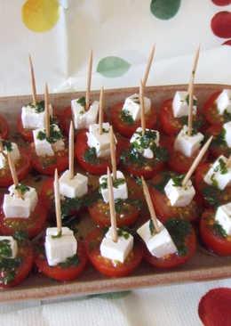 Tomates cherry con queso de oveja, para aperitivo