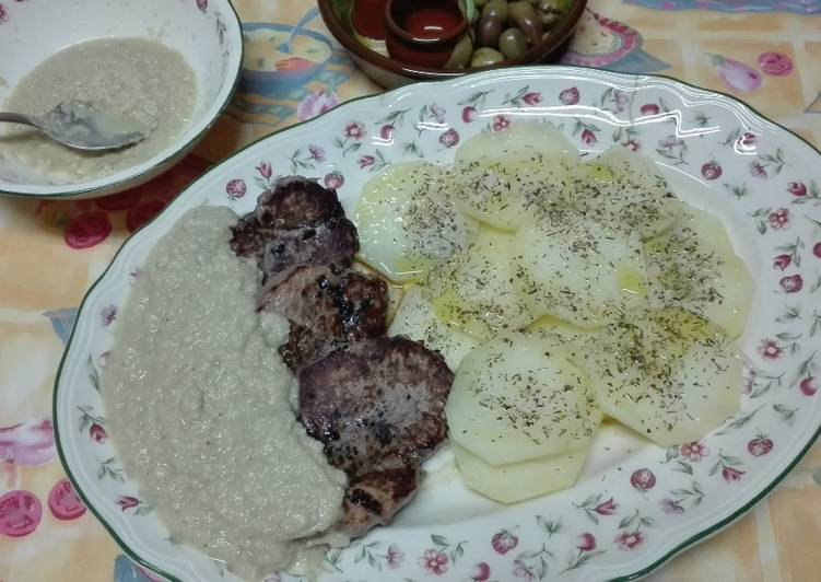 Solomillo a la plancha con salsa de champi ones y patatas al vapor aromatizadas al provenzal - Salsa para ternera a la plancha ...