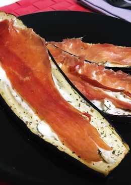 Berenjena al horno con queso de untar y jamón serrano