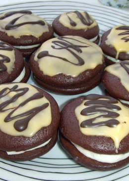 Galletas mágicas de chocolate con relleno de vainilla y glaseado de naranjas