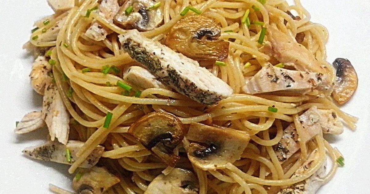 Espagueti integral con pollo y champi ones receta de - Espaguetis con gambas y champinones ...