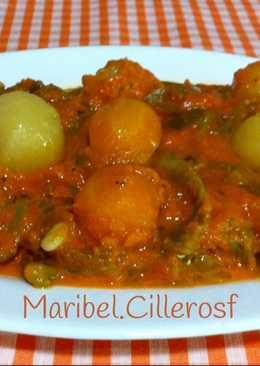 Judías verdes, patatas y zanahorias en salsa de pimientos del piquillo