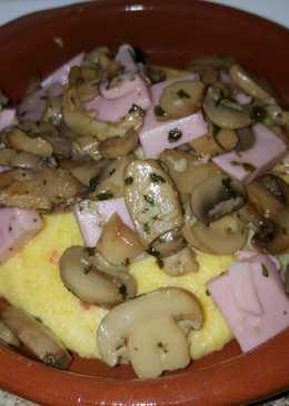 Polenta con champiñones al ajíllo (vegano)