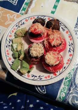 Berenjenas con tomate, pavo y queso fundido. Poco calórica