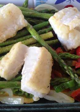 Bacalao con verduras al horno