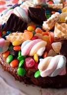 """Torta Brownie de golosinas """"Día del niño"""""""