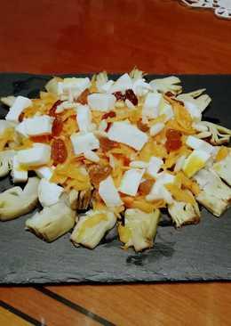 Ensalada de alcachofas con mozzarella y zanahoria