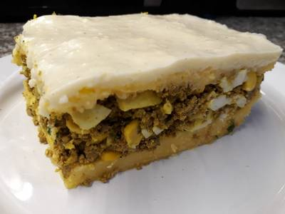 Pastel de carne base de polenta