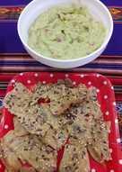 Guacamole con panecillos de quinoa
