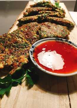 Tortillitas de kale y quinoa thai