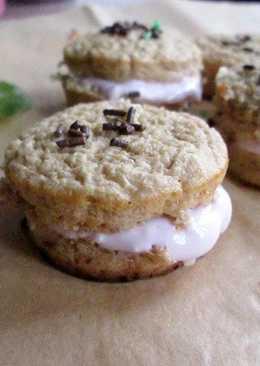 Bizcochitos de melocotón con crema de yogurt (dietéticos)