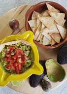 Guacamole casero con nachos