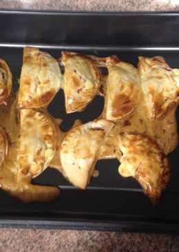 Empanadillas de mortadela y queso al horno