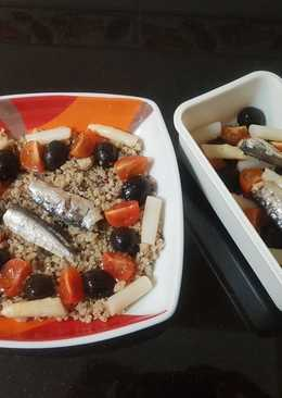 Ensalada de quinoa con sardinas para el tupper