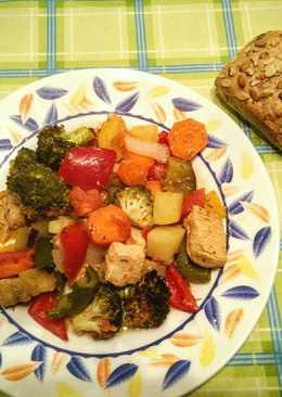 Verduras al horno con pechuga adobada