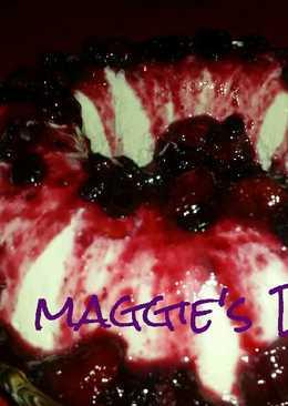 Gelatina de yogur y queso bañada de frutos