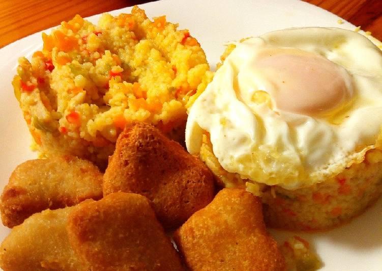 Cus-cús con pollo y huevo