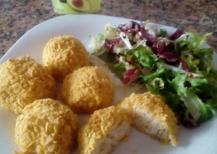 Bombas de pollo rellenas de queso