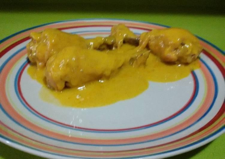 Muslitos de pollo en salsa en olla rápida