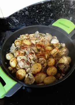 Alcachofas con bacalao y patatas