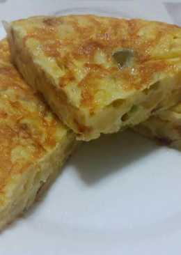 Tortilla de patata, cebolla y pimiento