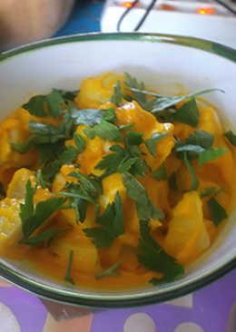 Ensalada de patada y huevo con mayonesa de zanahoria