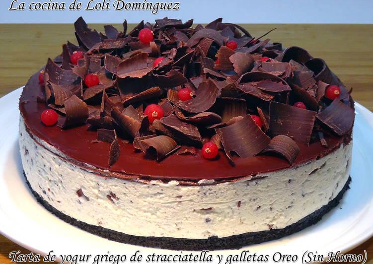 Tarta de yogur griego de stracciatella y galletas Oreo (Sin Horno)