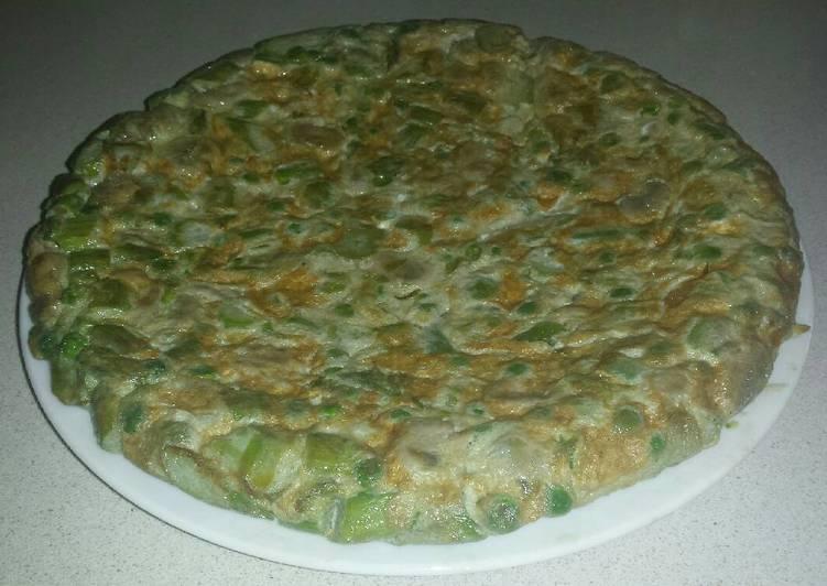 Tortilla de esp rragos guisantes y habas receta de maria for Siembra de habas y guisantes