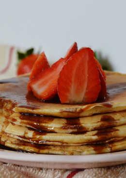 Pancakes con caramelo (sin azúcar)