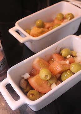 Ensalada individual con ajo y sal rosa