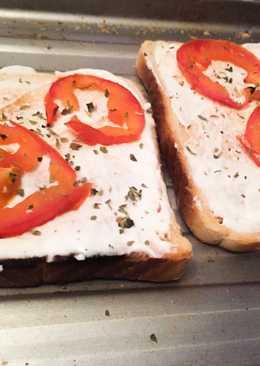 Tostada de tomate y queso